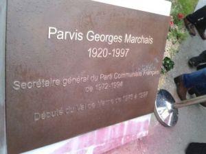 Parvis Georges Marchais (plaque commémorative)